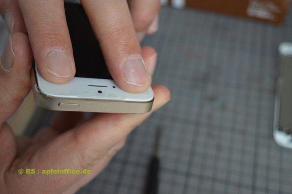 Oberes Ende des iPhone Display einrasten