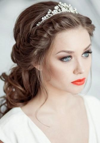 Maquillaje-novias-labios-rojos-2015-3