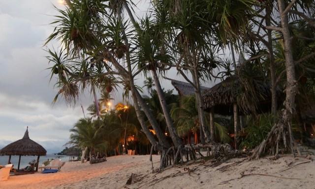 Abendstimmung am Strand des Coco Grove Beach Resorts