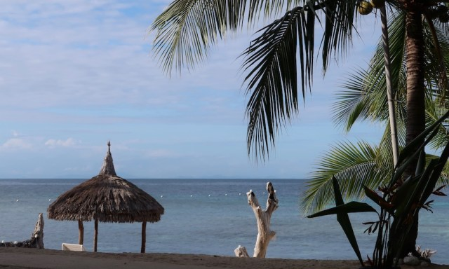 Tubod Beach am Coco Grove Beach Resort auf Siquijor