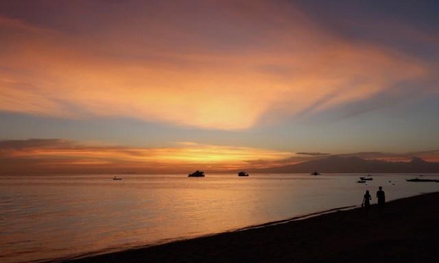 Sonnenuntergangsstimmung am Tubod Beach