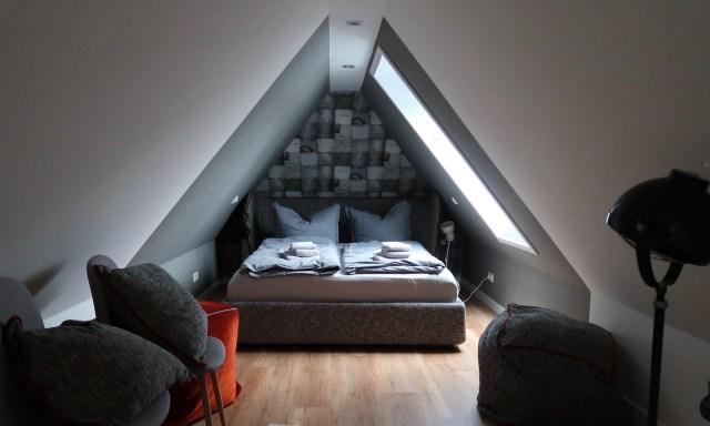 Schlafzimmerbereich in der Kajüte 7 in Sankt Peter-Ording