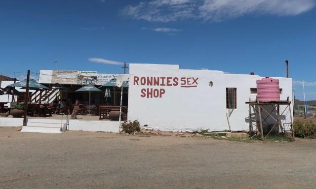 Ronnies Sex Shop an der R62