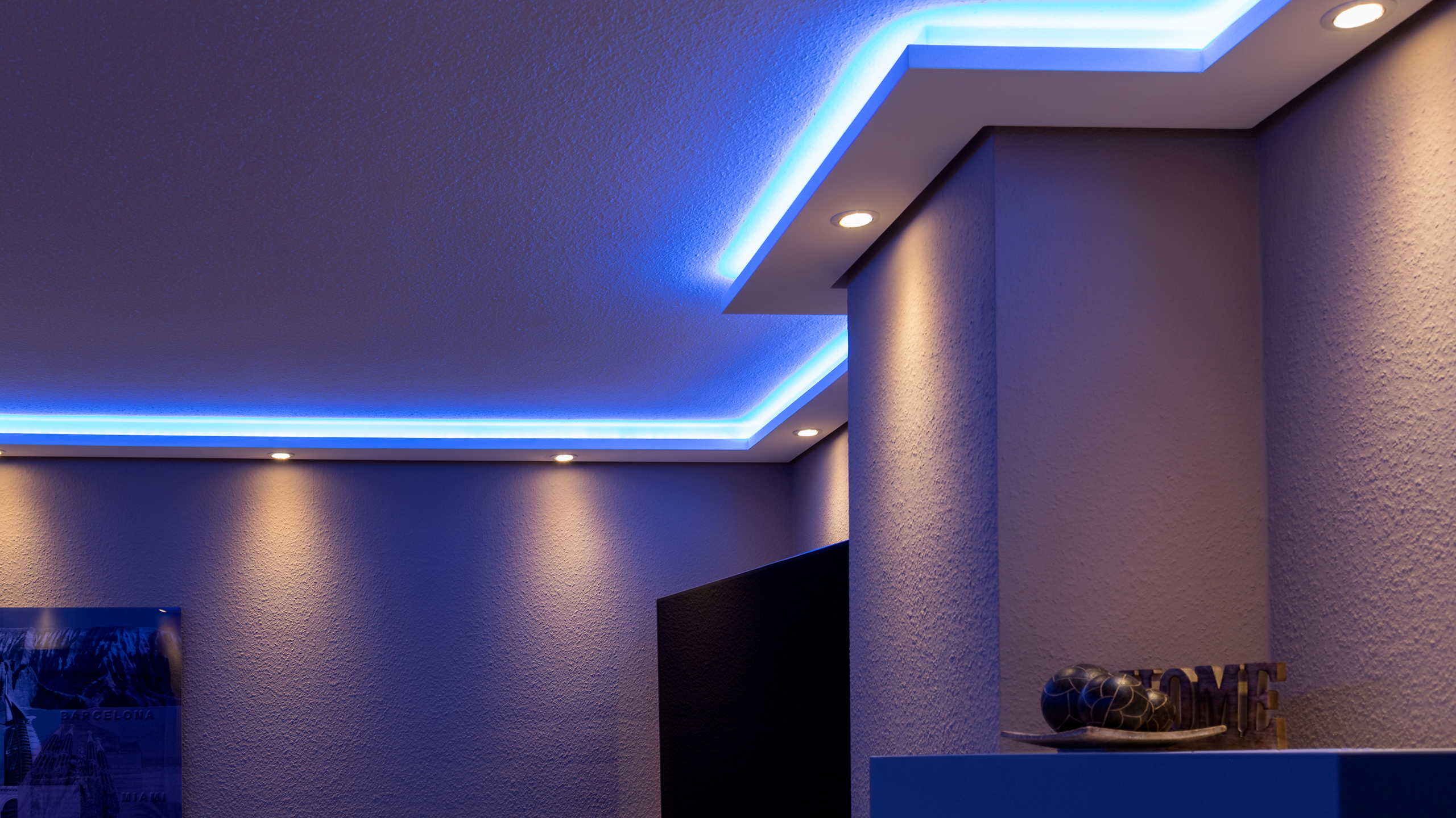 indirect lighting of walls and ceilings