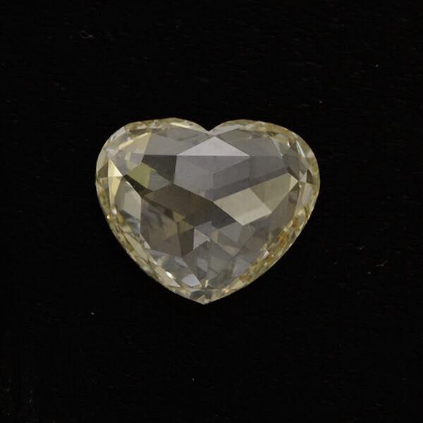 【ハートシェイプ ローズカットダイヤモンド 1.4キャラット!】銀座サロンに到着です。