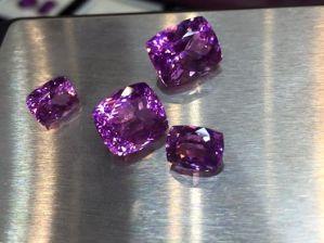 宇宙への旅  幻想は一粒の鉱物によりもたらされる。