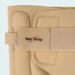 The knee brace has fully adjustable front and rear straps.