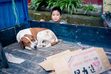 22 Boy and Dog, Nia'Ucna (by Benedict Young)