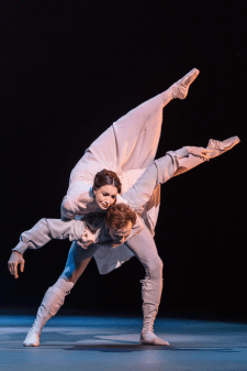 Lauren Cuthbertson as Hermione and Edward Watson as Leontes in The Winter's Tale, The Royal Ballet, © ROH / Johan Persson 2014