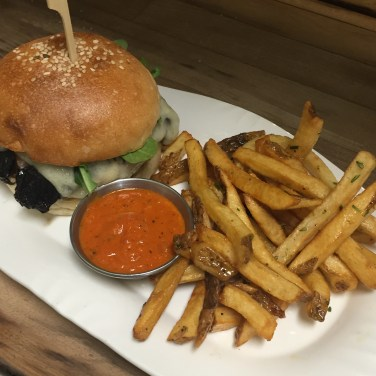 HAMBURGER AND FRIES - Chefs Choice, Wednesday's in the lounge