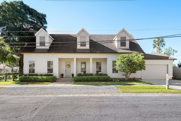 New Orleans Homes with Garages