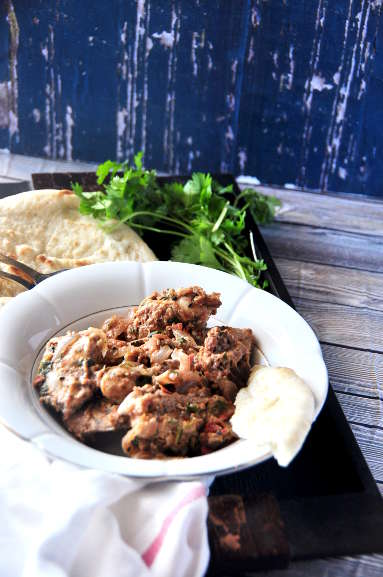 Balti Chicken with naan