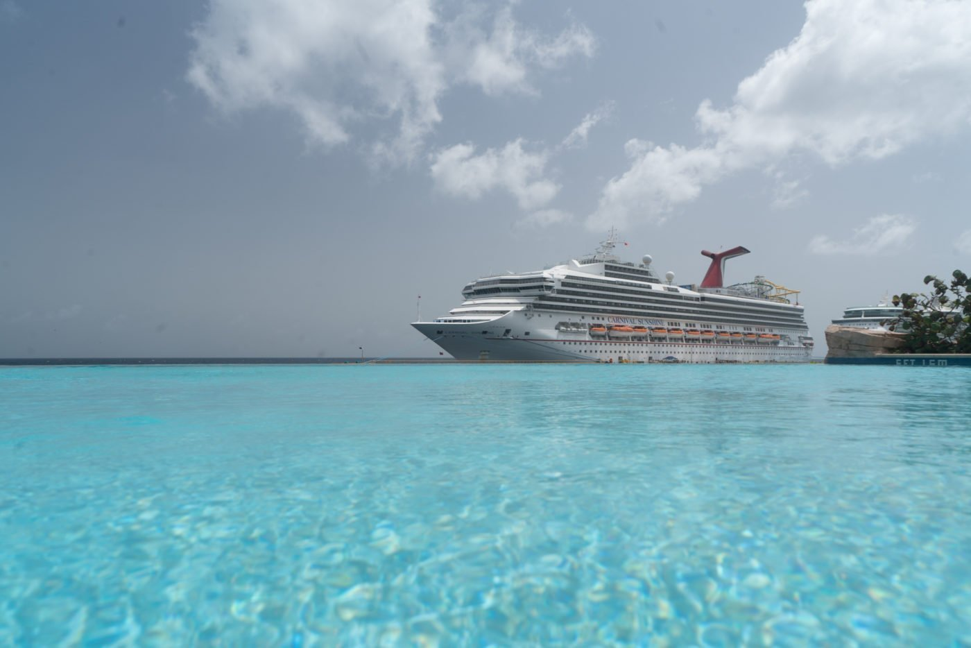 Carnival cruise ship seen from the infinity pool at Renaissance Resort, Curaçao