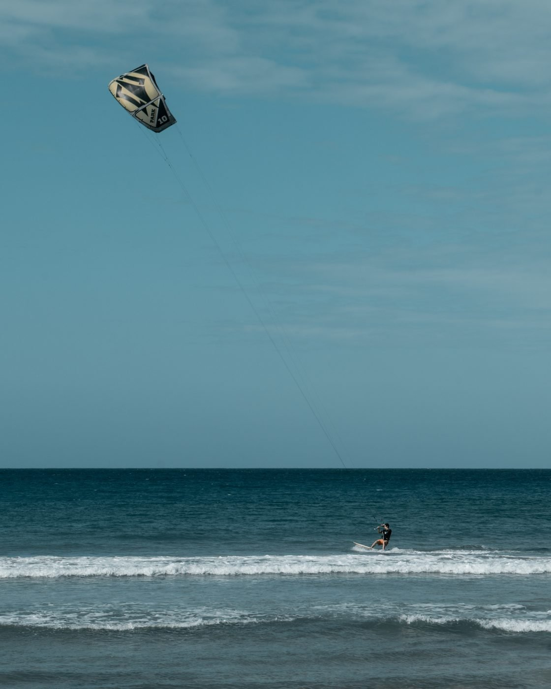 Kite Beach, Cabarete, Dominican Republic, kitesurfer