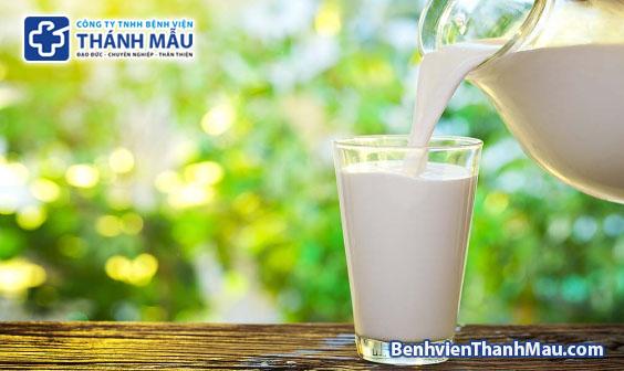 Sữa có thể mất 49% hàm lượng vitamin A và B khi tiếp xúc ánh sáng sua bi mat vitamin khi tiep xuc voi anh sang