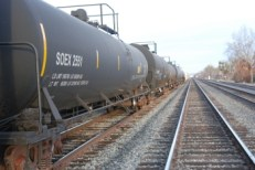Crude oil unit train, Davis, CA
