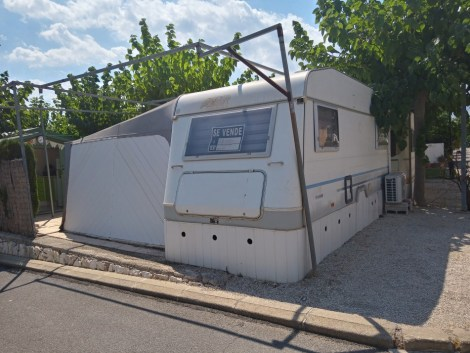Touring caravan and awning for sale on Camping Villasol campsite in Benidorm