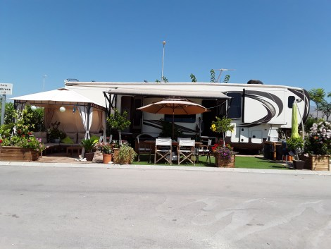 Fifth whell for sale on El Torres Campsite in Villajoyosa