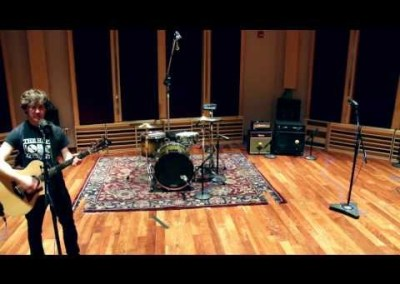 "Erez Levin – ""Wonderwall"" (Oasis) – Live @ The Dude"