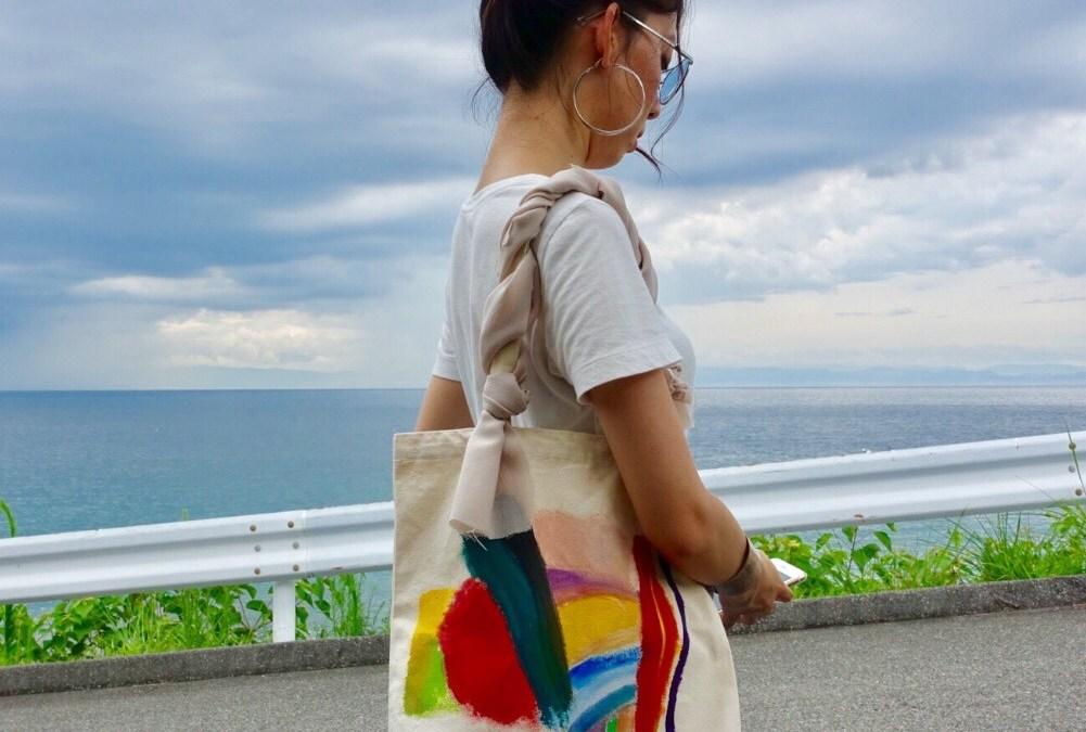 iPhoneケースに続き、Ayakaの「バッグ」もうチェックした??