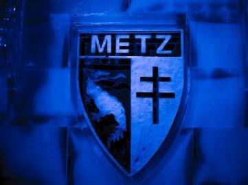 The Metz emblem.