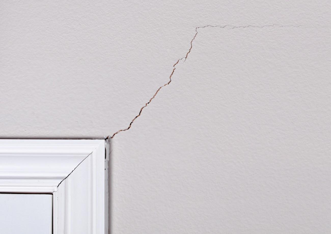 Cracked Drywall