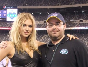 Kate_Upton_at_2011_Jets_VIP_draft_party-e1429386328981-1024x782