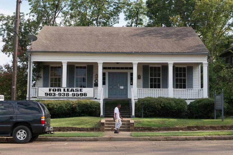 Harrison County, Arnot House