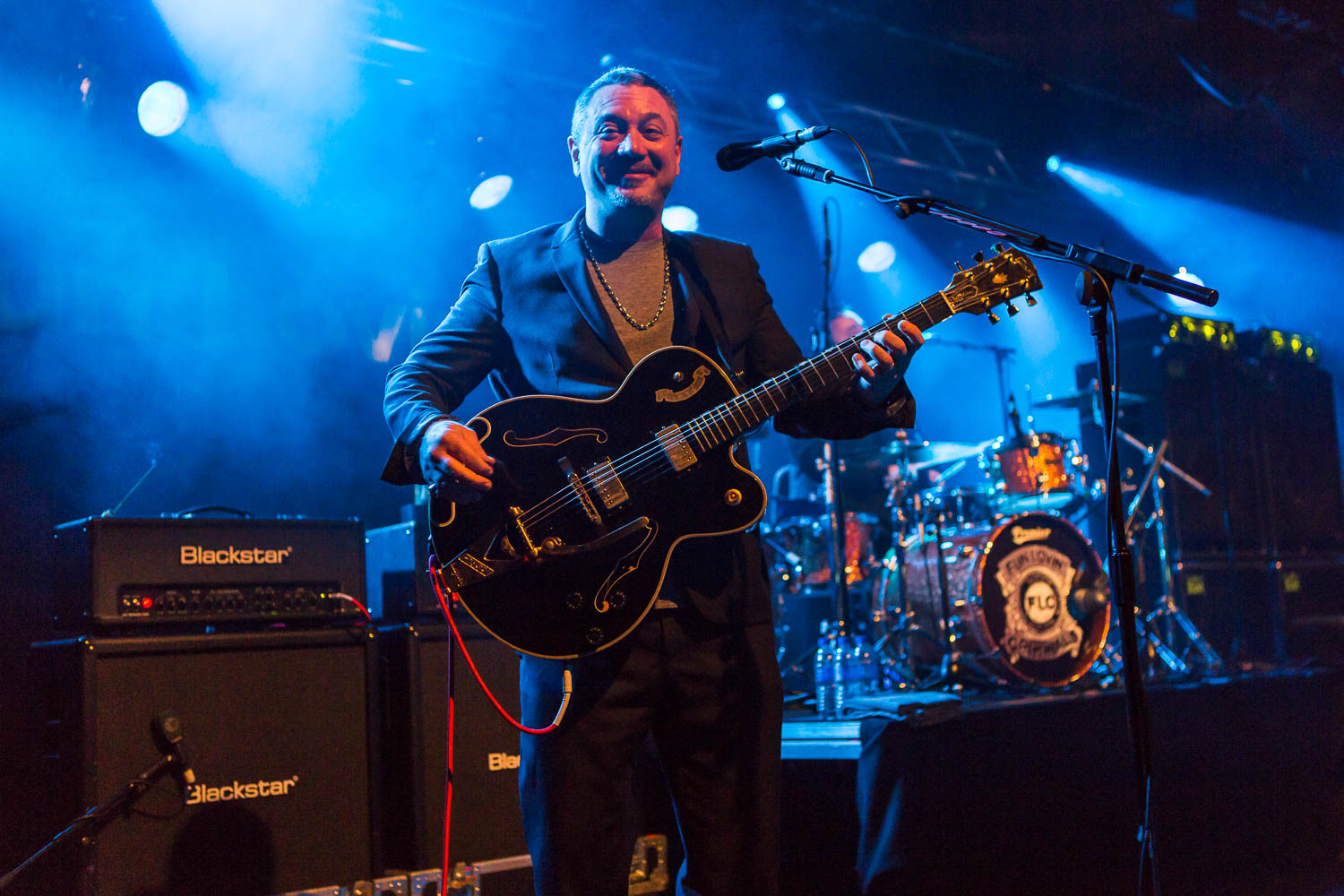 Huey Morgan of the Fun Lovin' Criminals playing at Rock City