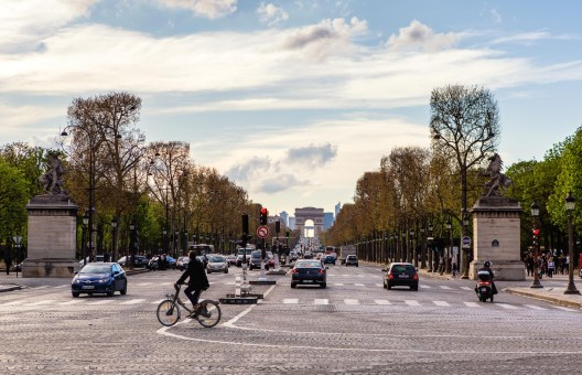 Avenue des Champs Elysees - Paris 2016
