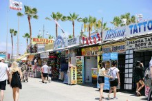 shopping at Venice beach