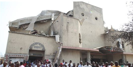 http://benoit-et-moi.fr/2012(III)/images/massacre22.jpg