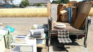 土浦市で粗大ごみの回収、はなれのだれも住んでない家の家具や廃棄物