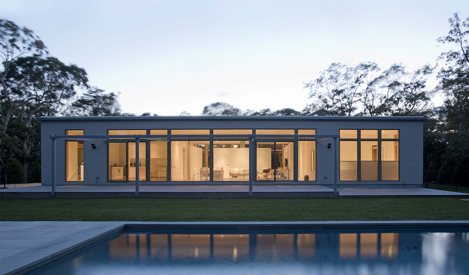 hight resolution of modern long island one story home
