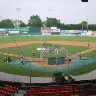 Do the Hagerstown Suns play in the smallest stadium in the South Atlantic League?