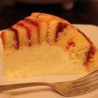 Vanilla bean Charlotte cake