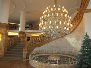 The main stairway and chandelier of the Interalpen