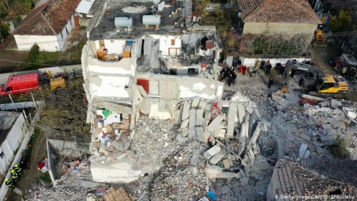 Tërmeti preku 50 mijë objekte/ Çuçi: 17 mijë banorë janë shpërngulur