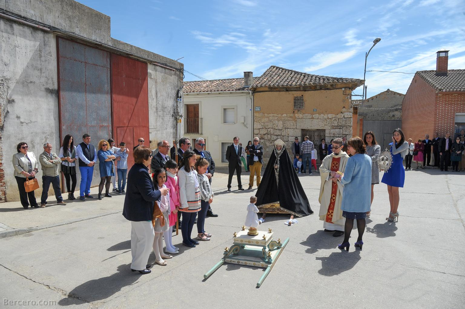 Resultado de imagen de como hacen las procesiones PROCESIÓN bercero