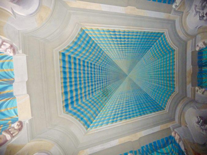 Trompe -l'oeil an der Decke: der Palazzo Castelmur (Foto: U. Diels)