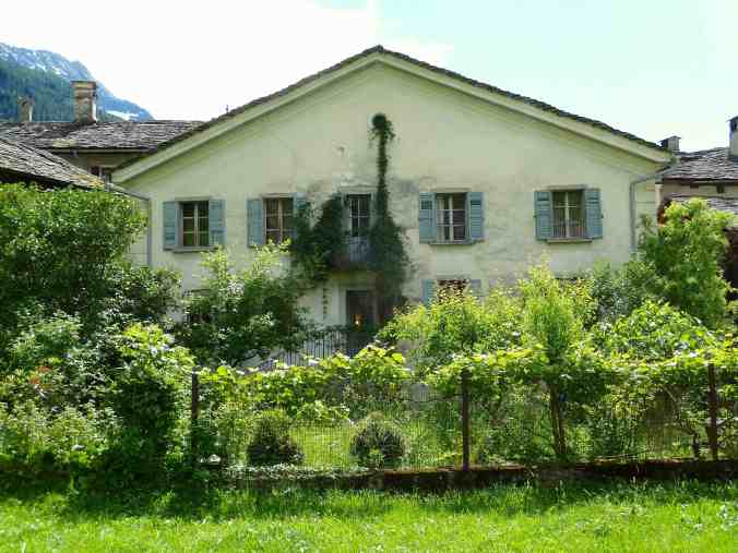 Garten und Wohnhaus in Promontogno
