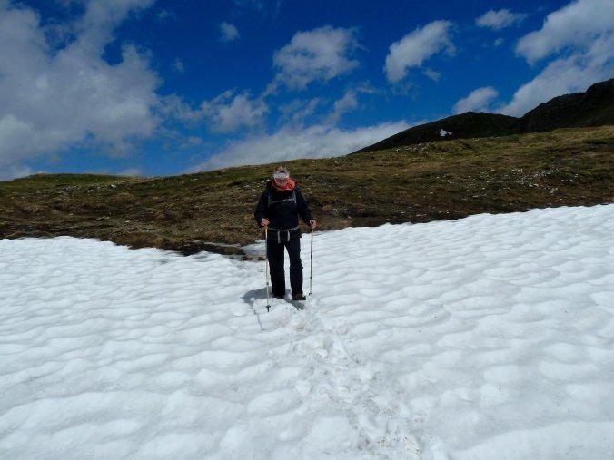Einfach zu queren: Schneefelder im Val da Cam
