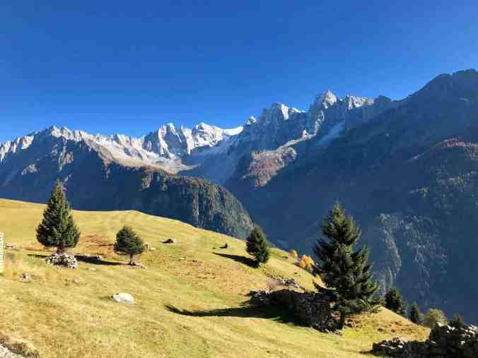 Auf Alp Tombal: Sanfte Hügel und tolle Aussichten