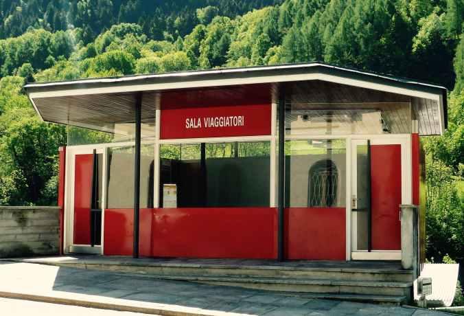 Einst Zollpavillon, heute Bushaltestelle in Castasegna, Archt. Bruno Giacometti