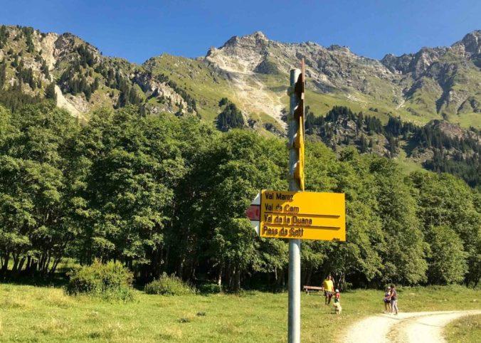 Neue Strecke ins Val Maroz: Abzweigung vom Wirtschaftsweg