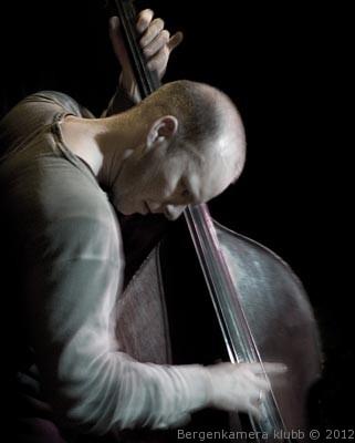 """Jazzbass"" av Bjarne Øymyr"