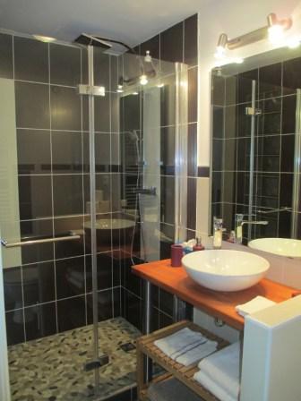 """Chambre """"Valériane"""" - salle de bain"""