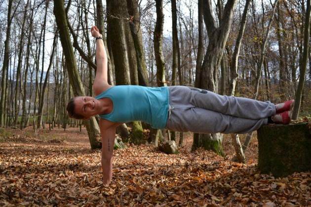 Gerade Körperlinie, Spannung halten