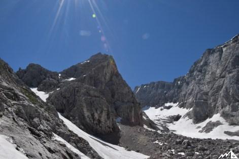 Blick auf den schneebedeckten Blaueisgletscher und Hochkalter.