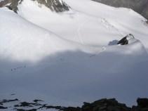 Wie Ameisen im Gletscheraufstieg